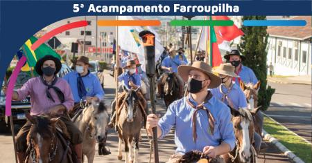 Cerca de 70 cavaleiros conduziram a chama crioula até o Acampamento Farroupilha